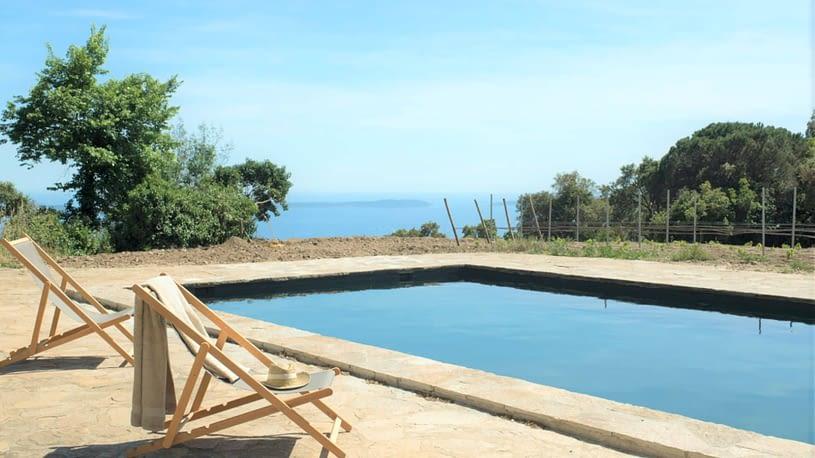 Piscine et vues à la mer / Swimming pool and sea view