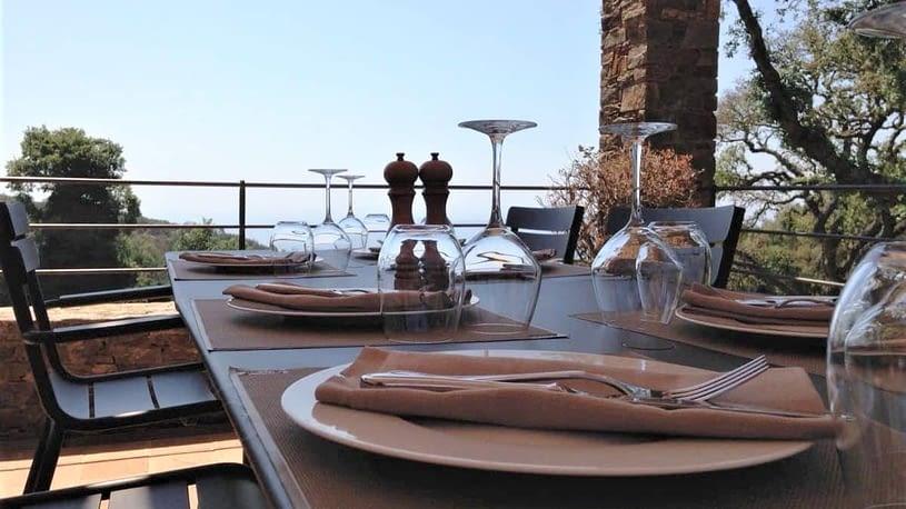 Terrase du restaurant / Restaurant terrace