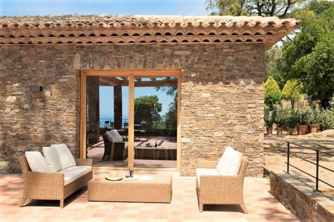 Restaurante exterieur / Restaurant exterior
