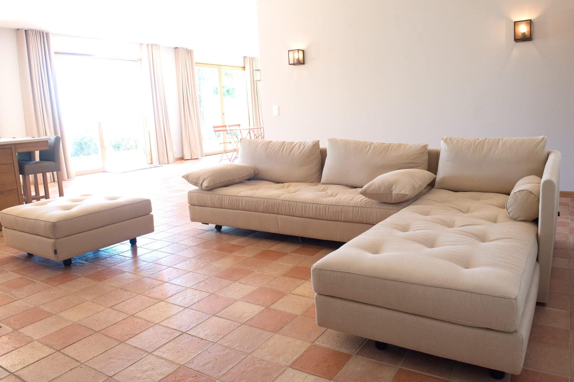 Salon dans Le grand chêne / Living room in the house Le grand chêne